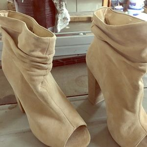 Chinese laundry open toe booties Sz7 new -tags